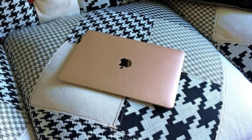 MacBook kaufen leicht gemacht (Foto: Mona S.)